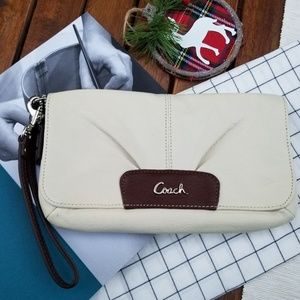 COACH LEATHER 💯 AUTHENTIC